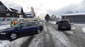 Beim Unfall in Güttingen verletzten sich zwei Personen. (Bilder: Kapo TG)