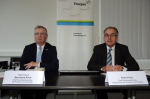 Finanzdirektor Bernhard Koch (links) und Peter Pauli, Chef der Finanzverwaltung, präsentierten die Thurgauer Staatsrechnung 2012. (Bild: zvg)