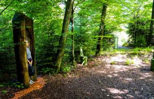 Auch auf Wanderwegen ist der Einsatz von Asphaltgranulat in loser Form ohne Deckbelag verboten. (Symbolbild: Rainer Sturm/pixelio.de)