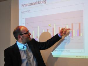 Thomas Knupp, Leiter Finanzverwaltung der Stadt Kreuzlingen, stellte die Finanzentwicklung vor. (Bild: Thomas Martens)