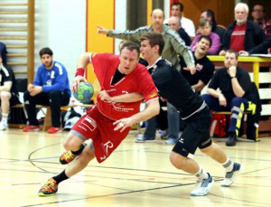 Spielertrainer Tobias Eblen am Ball. (Bild: Mario Gaccioli)
