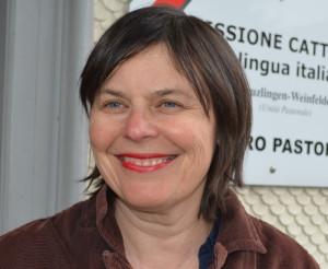 Judith Meier Inhelder  vor der Caritas Thurgau. (Bild: Regula Pfeifer, forumKirche Weinfelden)