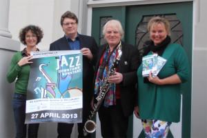 Sie freuen sich schon auf Jazz Downtown (v.l.): Eva Riedle (Organisation Jazz Downtown Konstanz), Steffen Schreyer (Münsterchordirektor), Bernd Konrad (Jazz-Musiker) und Petra Hinderer (Geschäftsführerin Hospiz Konstanz e.V.)