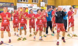 Mit einem Sieg und dem Aufstieg in die NLB will sich die Mannschaft des HSC Kreuzlingen am Samstag von ihren Fans verabschieden. (Bild: zvg)