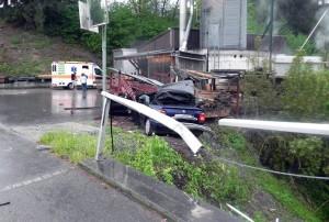 Die Unfallverursacherin musste ins Spital gebracht werden. (Bild: Kapo TG)
