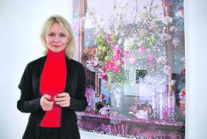 Irina Polin spiegelt sich und andere. (Bild: Thomas Martens)