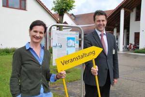 Kulturbeauftragte Seraina Perini Allemann und Klinikdirektor Gerhard Dammann wollen dafür sorgen, dass es mit kulturellen Veranstaltungen in der Psychiatrie Münsterlingen wieder aufwärts geht.(Bild: Thomas Martens)
