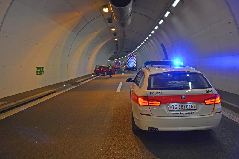 Die Lenkerin verletzte sich und musste ins Spital gebracht werden. (Bild: Kantonspolizei Thurgau)