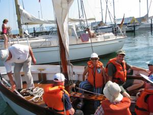 Auf die Schiffsfahrt im Kutter freuten sich die Passagiere sehr. (Bild: Manuela Olgiati)