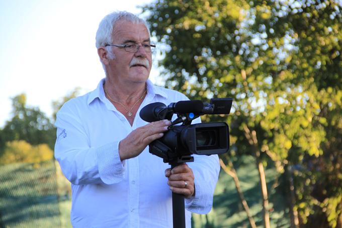 Fernseh-Mann Robert Böhni in Aktion. (Bild: IDK)