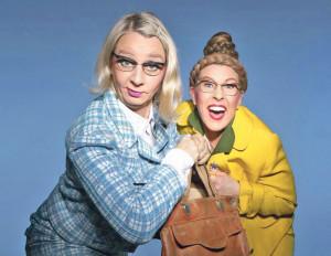 Hutzenlaub & Stäubli, zwei ehemalige Acapickels, probieren ihr neues Programm «Reif für den Oskar» aus. (Bild: zvg)