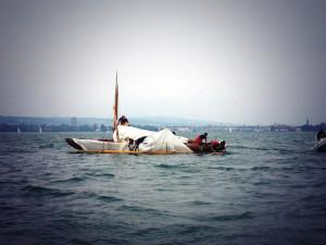 Die Windsbraut hat in der ersten Wettfahrt bei etwa drei Windstärken den Mast verloren. (Foto: Lange)