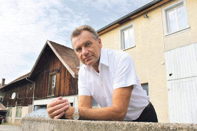 """Die Debatte um angeblich zu hochbezahlte Stadträte ärgert Michael Dörflinger, der es als Stadtrat gewohnt ist, für seine Projekte zu """"ackern"""". (Bild: archiv)"""
