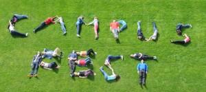 Angehörige aller drei Campus-Schulen bilden gemeinsam das Erkennungsbild des Campus-Festes. (Bild: zvg)