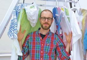 Hereinspaziert: Der in Frankreich geborene Künstler Jérôme Chazeix verwandelt Ausstellungsräume in eigene, komplexe, wilde Welten. (Bild: sb)
