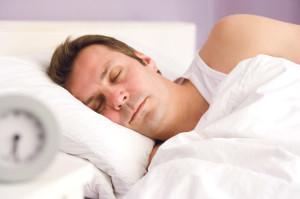 Wenn wir schlafen, dann wechseln sich Tiefschlaf- und Traumphasen ab. Letztere eröffnet uns Möglichkeiten weit über den Verstand hinaus – im Traum ist alles möglich. Mithilfe der Traumanalyse kann herausgefunden werden, welches Problem möglicherweise einem immer wiederkehrenden Traum zugrunde liegt. (Bild: klz)