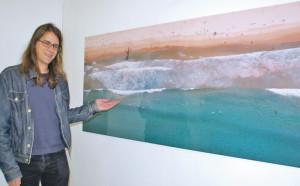 Markus Schmid mit einer seiner grossen Panoramaaufnahmen. (Bild: tm)