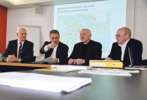 Stadtammann Andreas Netzle (Kreuzlingen), Gemeindeammann Markus Thalmann (Tägerwilen), Baubürgermeister Kurt Werner (Konstanz) und Bauverwalter Heinz Theus (Kreuzlingen) setzen sich fürs Aggloprogramm Kreuzlingen-Konstanz ein. (Bild: Archiv)