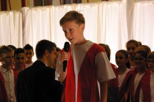 Die Schüler der 5. Klasse bedankten sich mit einer kleinen Aufführung. (Bild: sb)