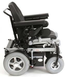 Das gesuchte Fahrzeug unterscheidet sich vom abgebildeten Serien-Modell durch verlängerte Sitzplatte und versenkbares Steuerungsgerät vorne. (Bild: Kapo TG)