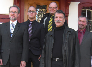Unser Bild zeigt (v.l.) Roland A. Huber, Lukas Loehle, Pascal Bertschinger, Jürg Schumacher und Andreas Guhl. (Bild: zvg)