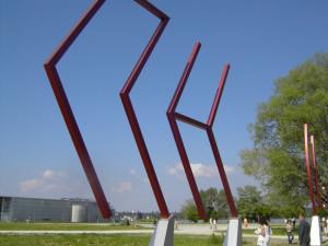 Die Volkshochschul Konstanz will in diesem Jahr Grenzen (hier die Kunstgrenze) überwinden. (Bild: zvg)
