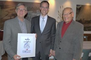 Von links: Ehrenmitglied Paul Stähli, Präsident Thomas Leu, Vorstand Hans Brönnimann. (Bild: zvg)