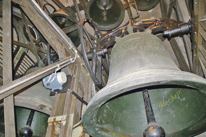 Diese Glocken schlagen bald wieder zu jeder Viertelstunde. (Bild: sb)
