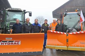 Unser Bild zeigt (v.l.) Köbi Hofer (Hofer AG Oberaach), Urs Schär (Gemeinderatsmitglied), Peter Lerch (LMK Altnau), Reto Mock (Landtechnik Sulgen AG), Fritz Beurer und Tobias Stadler. (Bild: Daniela Ebinger)