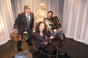 """Das Ensemble von """"Der zwerg in mir"""". (Bild: Mario Gaccioli)"""