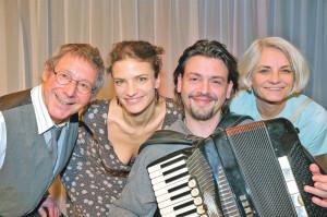 Das Ensemble von «Der Zwerg in mir» (v.l.): Hans Rudolf Spühler, Ivana Martinovic, Goran Kovacevic und Astrid Keller. (Bild: Mario Gaccioli)