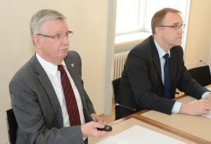 Regierungspräsident Bernhard Koch (links) präsentierte zum letzten Mal eine Thurgauer Staatsrechnung. Begleitet wurde er von Urs Meierhans, Chef der Finanzverwaltung. (Bild: zvg)