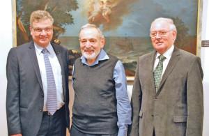 V.l.: Thomas Gisler, Präsident Katholische Kirchenvorsteherschaft Kreuzlingen-Emmishofen, Georg Strasser und Jules Brenneis. (Bild: kb)