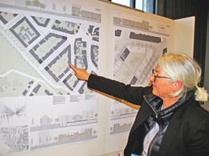 Architektin Karin Meid erläutert ihr Grundkonzept fürs Döbele. (Bild: sb)