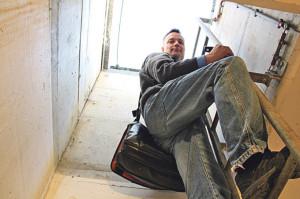 In einem Armeebunker verwahrt Georg Schulthess die Daten seiner Kunden auf: abhör-, überschwemmungs- und atomsicher. (Bild: ek)