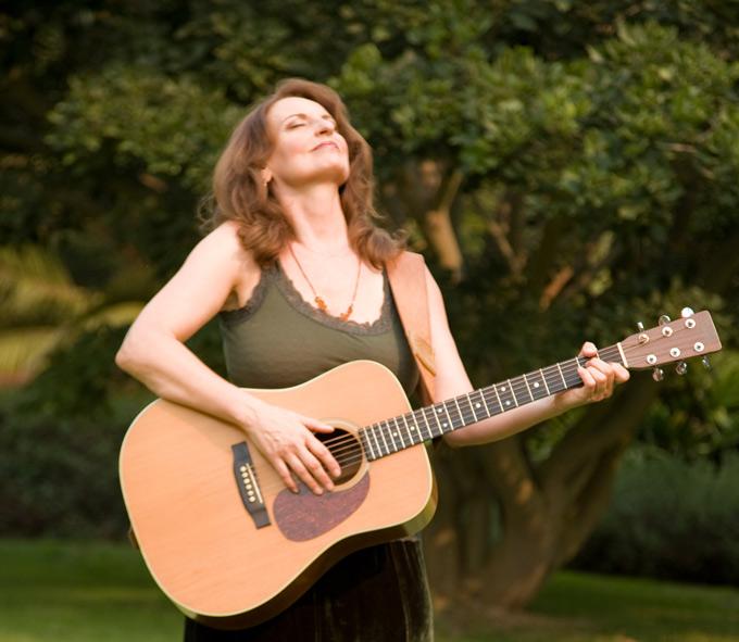 Christina Grimm verzaubert die Zuhörer mit ihrer Musik. (Bild: zvg)