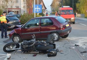 Legende: Bei der Kollision wurde der Motorradfahrer mittelschwer verletzt. (Bild: Kapo TG)