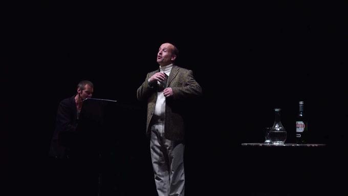 Szenenbild mit Urs Gühr am Klavier und Matthias Peter. (Bild: zvg)