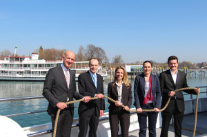 Ziehen an einem Schiffstau: (v.li.) Dr. Norbert Reuter (BSB), Thomas Rist (URh), Petra Pollini (BSB), Andrea Ruf (SBS) und Alexandro Rupp (VLB) von den Vereinigten Schifffahrtsunternehmen für den Bodensee und Rhein (VSU). (Bild: zvg)