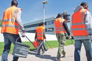 Vom Kreuzlinger EVZ aus machen sich die Asylbewerber vier Mal in der Woche auf den Weg zum Reinigungsdienst in der Stadt. (Bild: Thomas Martens)