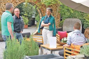 Gartenmöbel standen beim «Frühlingserwachen» im Vordergrund. (Bild: tm)