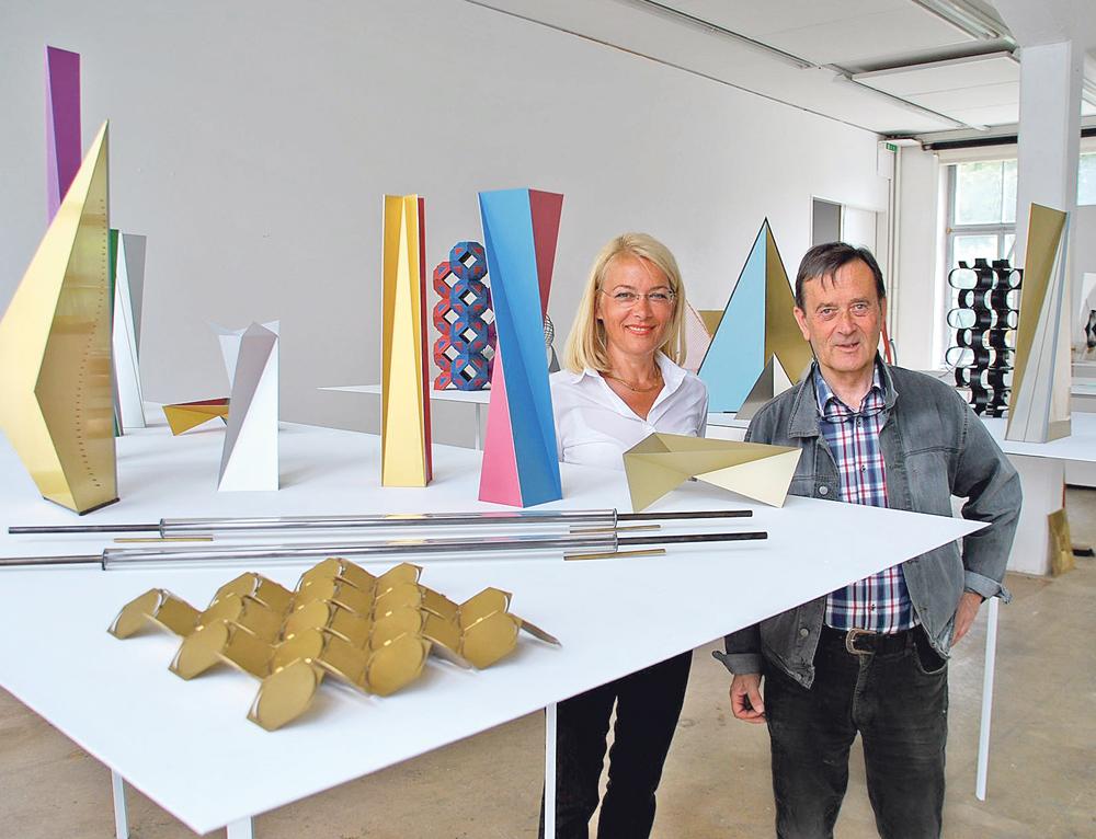 Beate Willauer und Richard Tisserand haben die Ausstellung zusammengestellt. (Bild: Thomas Martens)