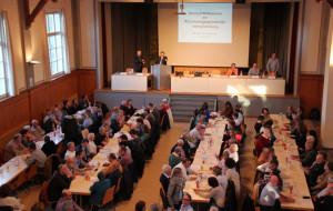 Die Bürgerhalle in Tägerwilen war bis auf den letzten Platz besetzt. (Bild: ek)