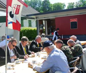 Delegation des Kantonalschützenverbandes bei Kaffee und Kuchen. (Bild: zvg)