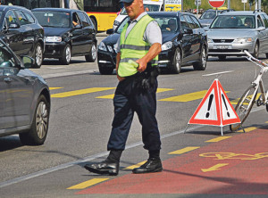 An der Bahnhofstrasse kommt es immer wieder zu Unfällen. Erst vergangene Woche hat es wieder einen gegeben. (Bild: tm)