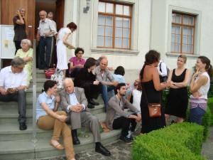 Auch die Pausen wurden für intensive Gespräche genutzt. (Bild: zvg)