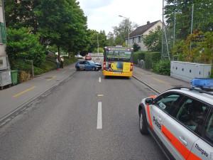Der Autolenker wurde leicht verletzt (Bild: Kantonspolizei Thurgau)