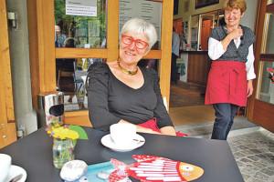 Hanni Knüsel (vorne) und Ursula Kradolfer freuen sich schon auf viele Gäste im neuen, schönen Kafi Seemuseum. (Bild: sb)