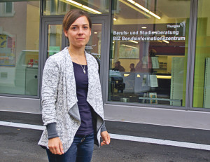 Dorothea Wiesmann, Leiterin BIZ, vor den neuenRäumlichkeiten. (Bild: sb)