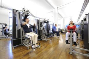 Krafttraining hilft ein unterstützendes Muskelkorsett aufzubauen. (Bild: Kieser Training AG)